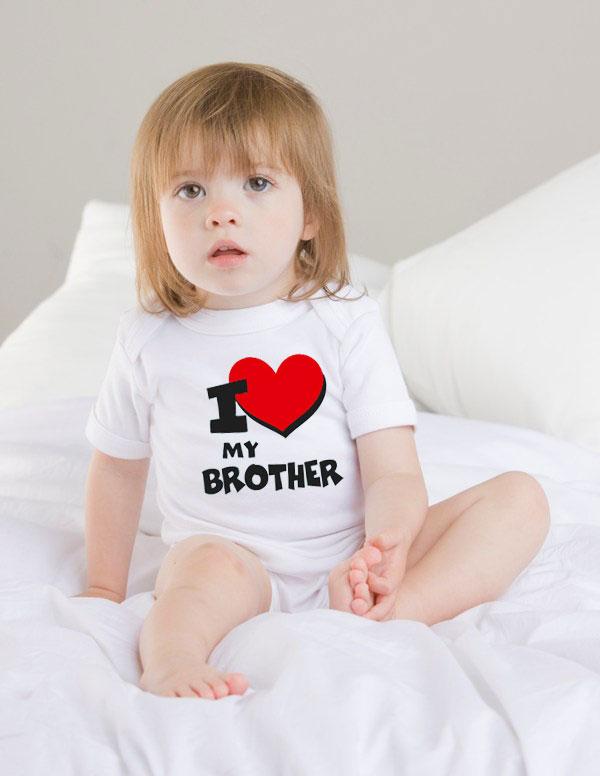 babybody witzig bedruckt mit i love my brother. Black Bedroom Furniture Sets. Home Design Ideas